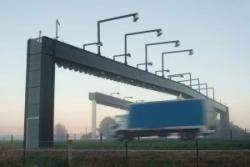На коммерческих дорогах РФ плату за проезд будут взимать по технологии Free Flow